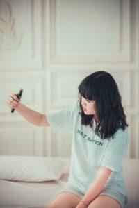 【ライブ配信】大学生で月20万超え!?配信アプリおすすめトップ5