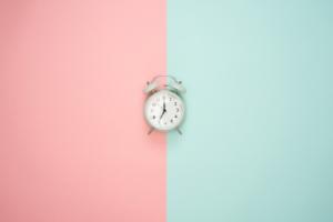 【保存版】ブログの投稿時間は何時がいい?記事によって変えましょう